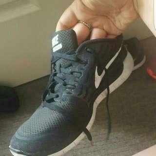 Size 9 Nikes