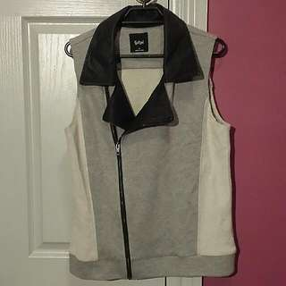FURTHER PRICE DROP! Sports girl vest size xs
