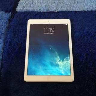 iPad Air 32GB (SOLD)