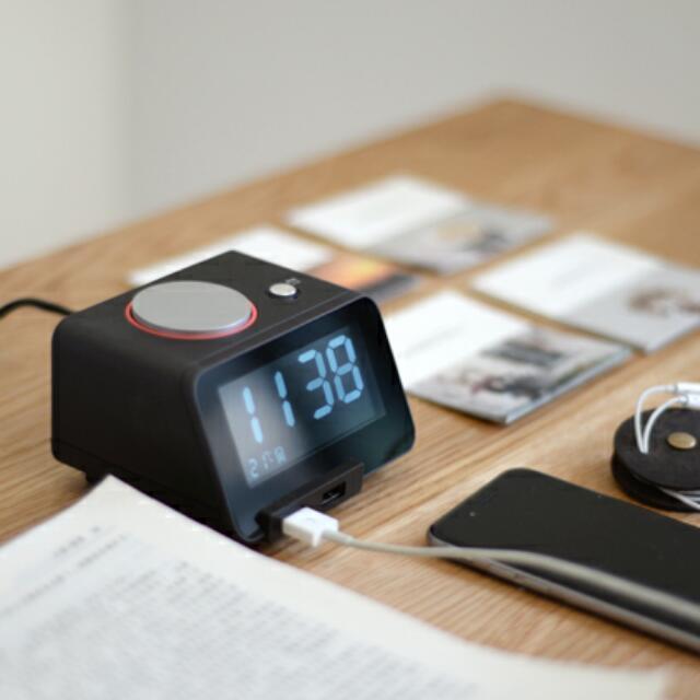 Ahead領導者 數位鬧鐘 雙USB充電 LED 溫度計 貪睡功能