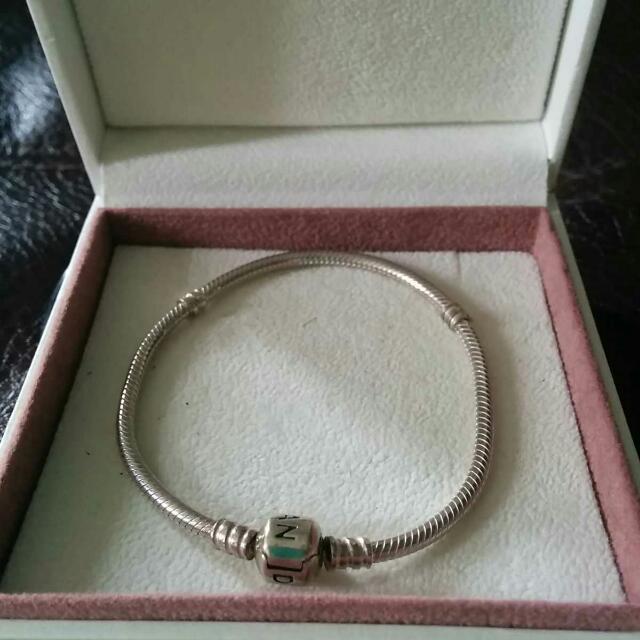 *Authentic* Pandora SIlver Bracelet