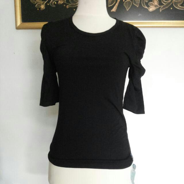 Black Ruffle Shoulders Top