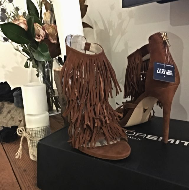 Brand New, Windsor Smith Fringed Sz8 Heels