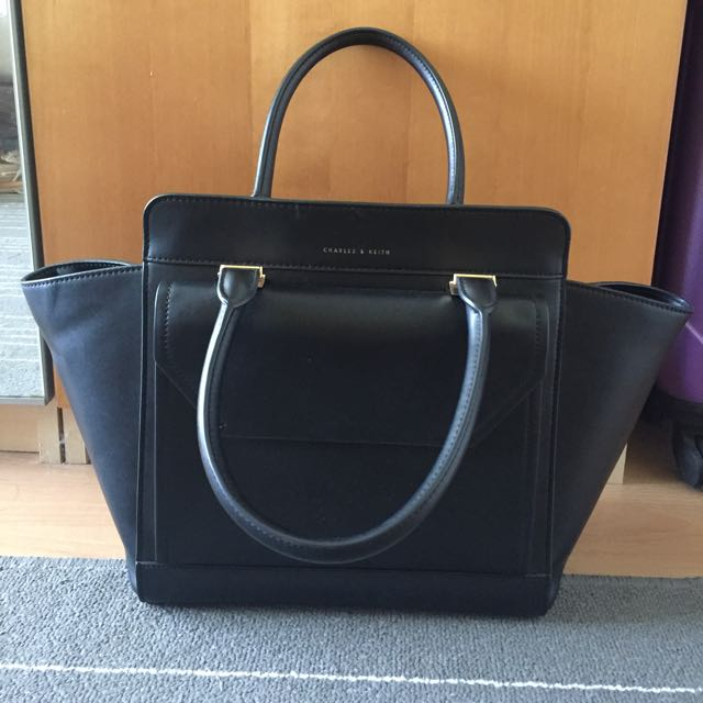 (RESERVED) Charles&Keith Trapeze Black Tote