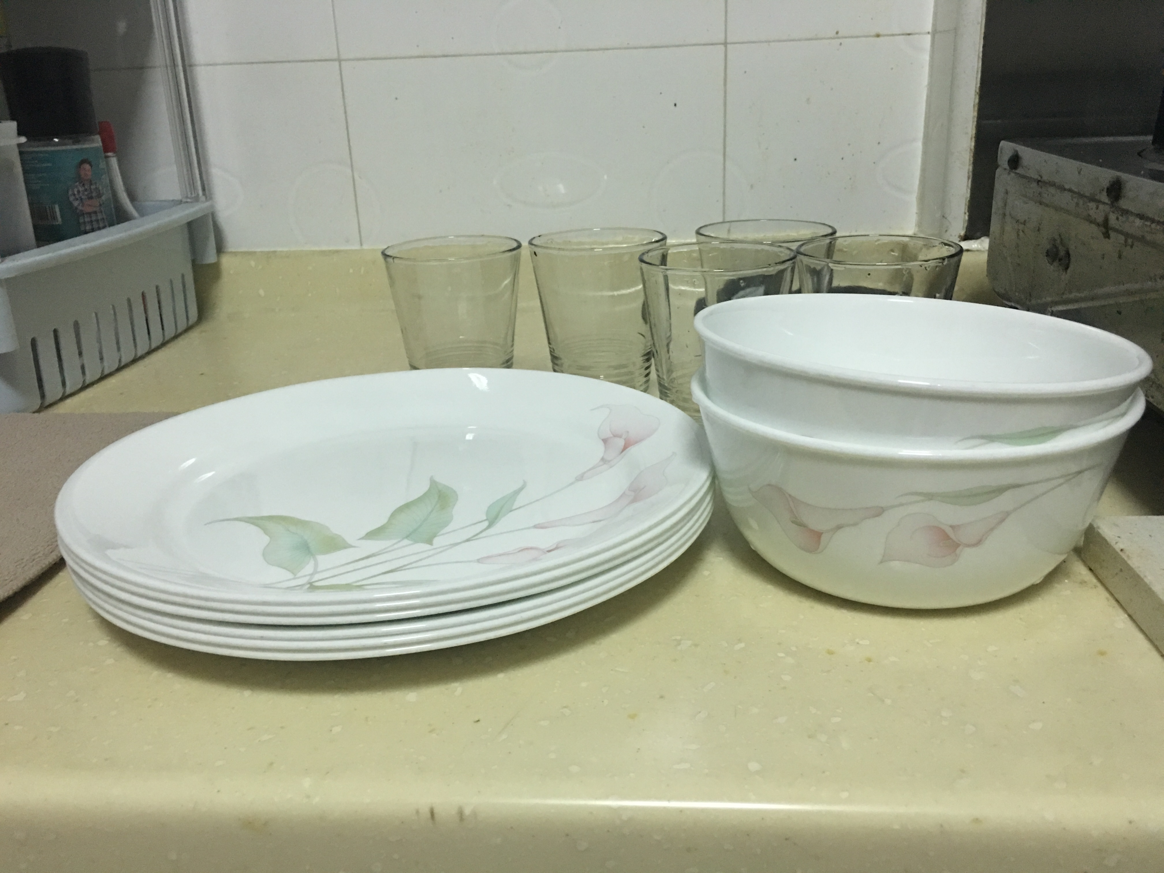 Corelle Plates, Corelle bowls and (no brand) drinking glasses