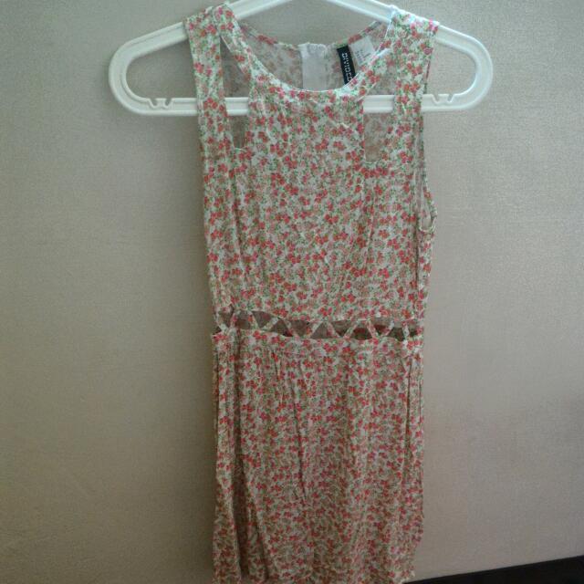 #100元洋裝 H&M 微露肚洋裝 小花  EUR36 US6