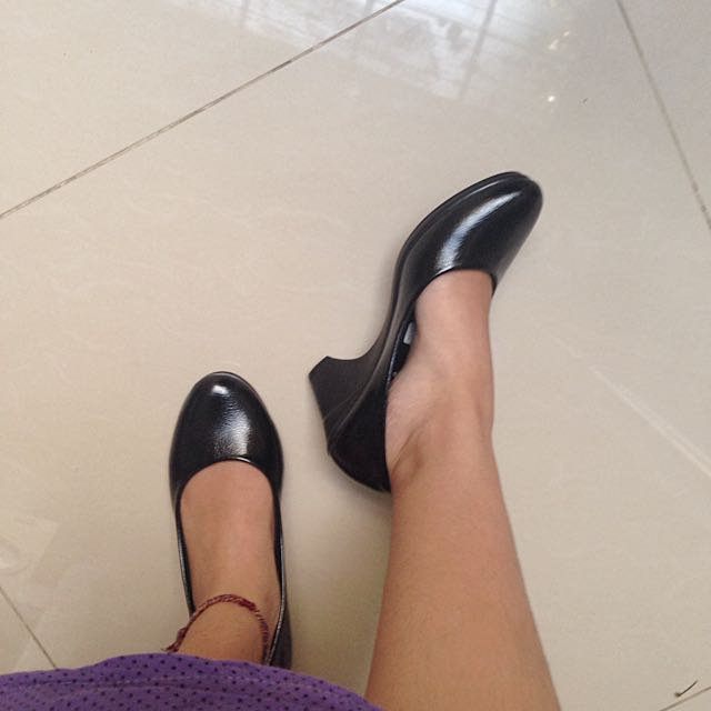 Kameli Black Shoes