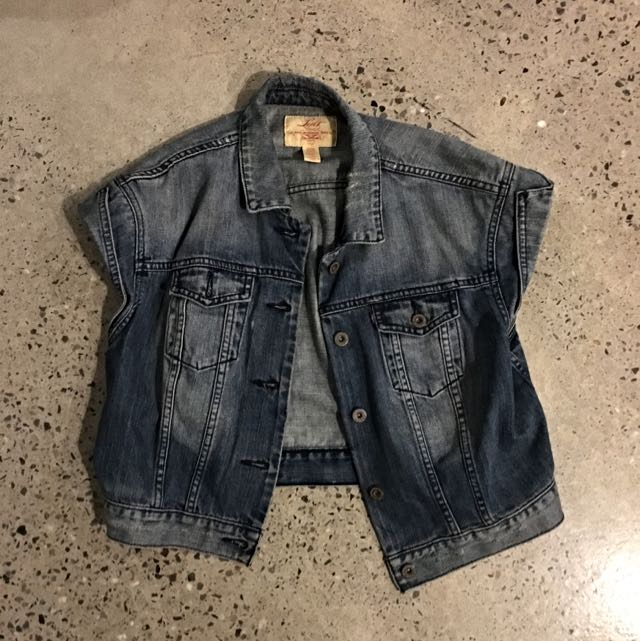 Levis Cropped Denim Vest