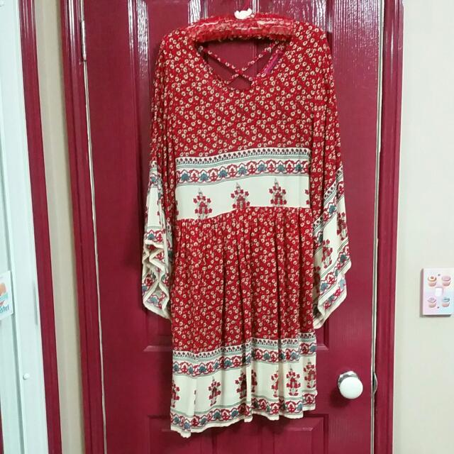 Size 10 Boohoo 'Bat Wing' Dress