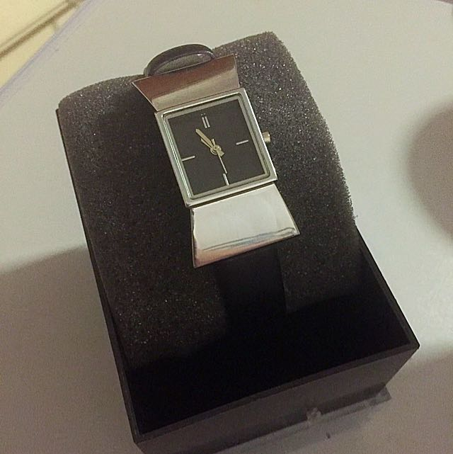 Retailed  At $275 - Zalora Bow Tie Watch - Black & Silver
