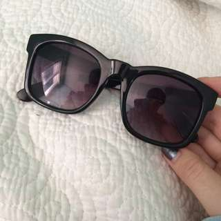 Black over sized sunglasses
