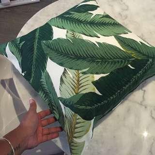Decorative Pillows. Palm Print.
