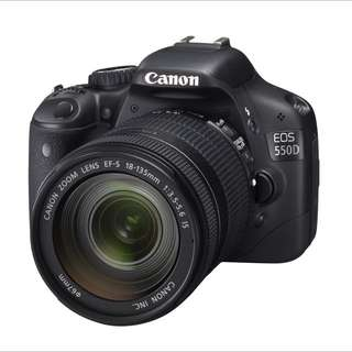 Canon 550D EOS DSLR With 18-135mm Lens