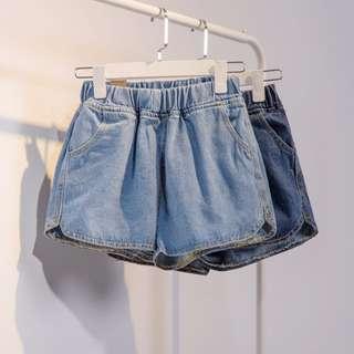 !!現貨!!寬鬆顯瘦水洗牛仔鬆緊短褲 加大尺碼 M~2XL