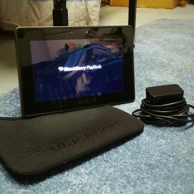 32 G BlackBerry Playbook , new!