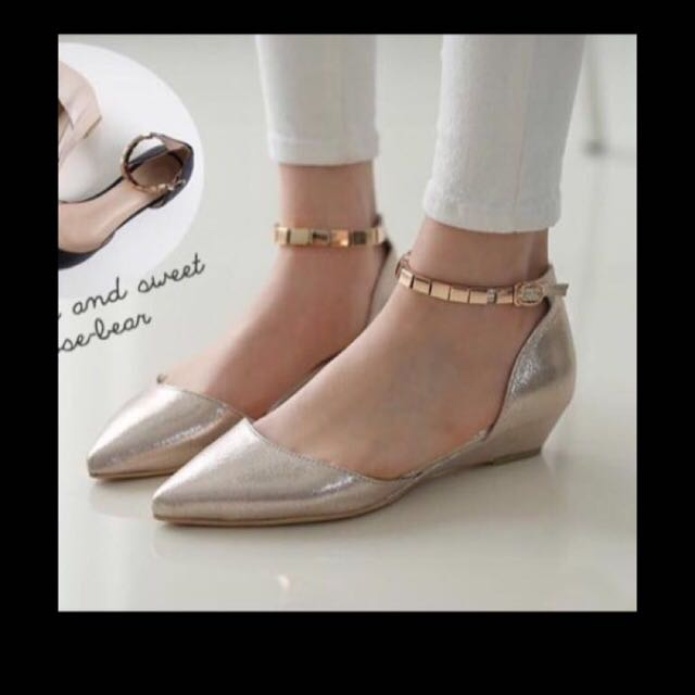 免運 全新 正韓金色楔型跟金屬繫踝帶包鞋 22.5