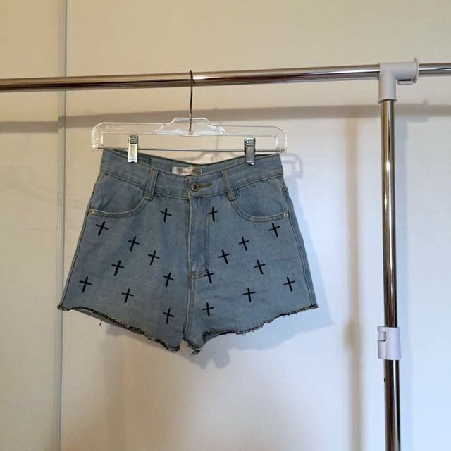 Cute cross print denim shorts!