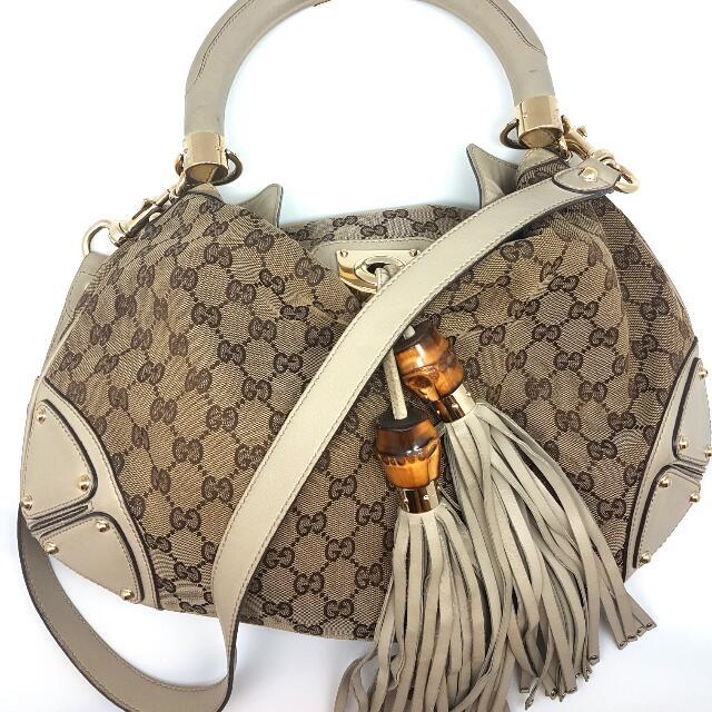 19b4577904a Gucci Bamboo Tassle Monogram GG Beige PM Sling bag Shoulder Bag Hand ...