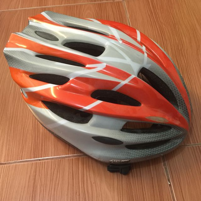 Helm sepeda made in jepang