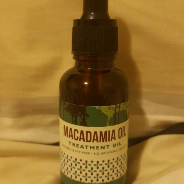Macadamia Oil Hair Treatment