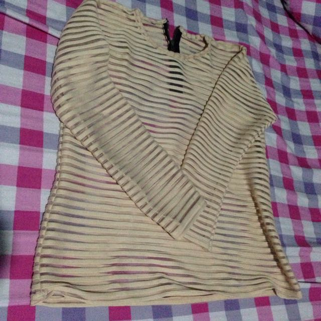 (preloved) atasan warna cream no brand