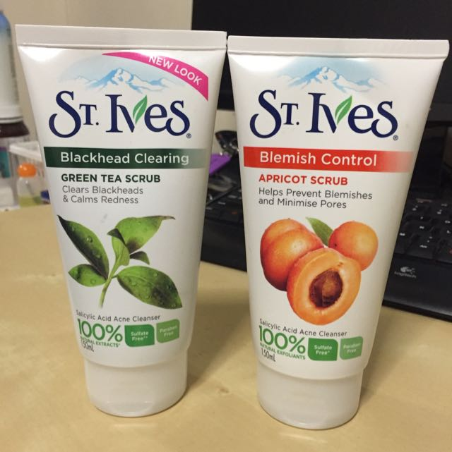 St Ives Blemish Control And Blackhead Clear Scrub