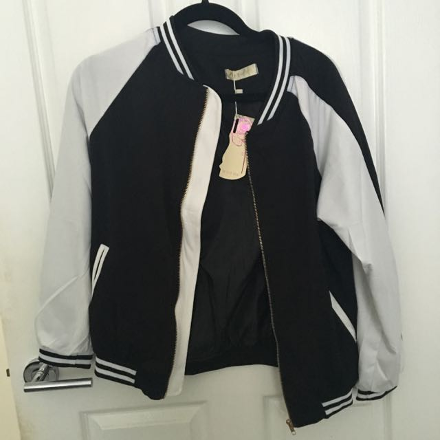 ** NEED GONE ASAP ** WOMENS BOMBER JACKET BLACK AND WHITE