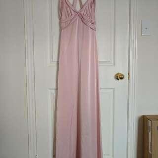 Brand new Elegant BCBG silk evening gown, in pink size 2