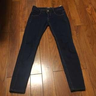 Pull&bear 深色薄牛仔褲