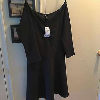 Long/sleeved Black Dress (Forever 21)