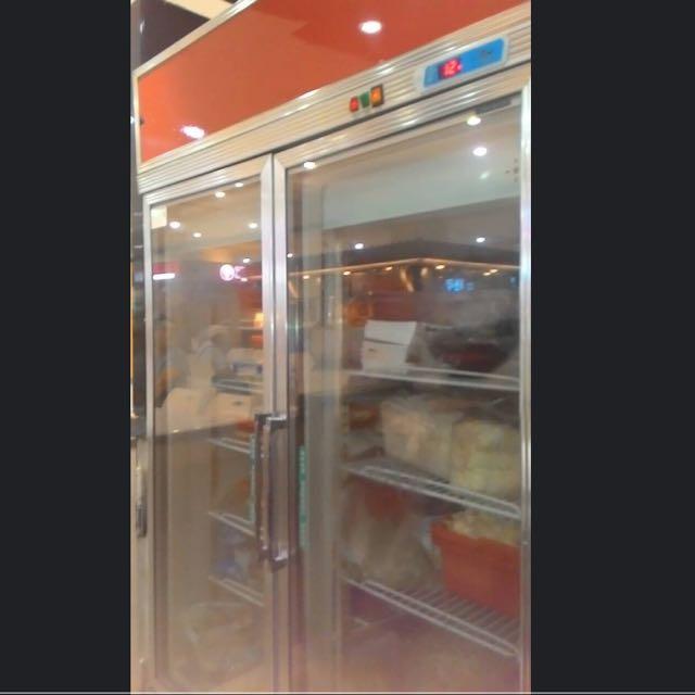 雙門玻璃門冰箱 餐廳結束營業便宜出清 狀況良好 120*210 新北市新店家樂福自取 可取貨時間8/29晚上9:30後 以及8/30~8/31全天 自取看貨請看關於我聯絡電話