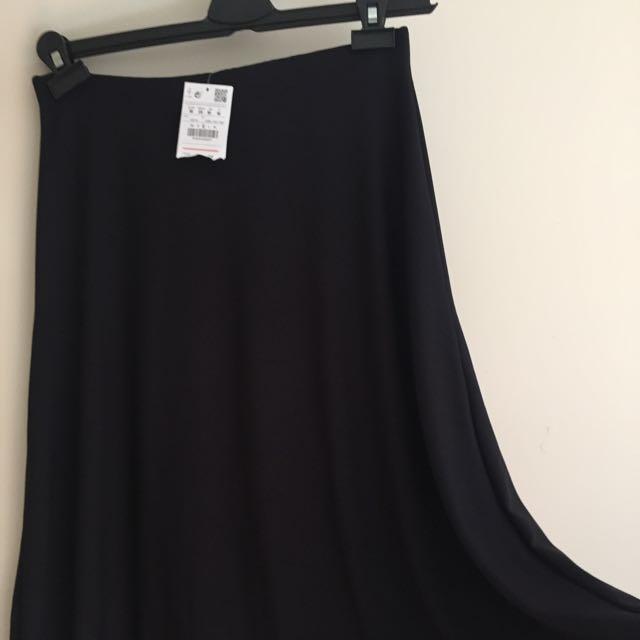 Black Midi Skirt Size M - NEW