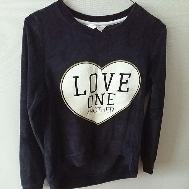 Black velvet Graphic hoodie