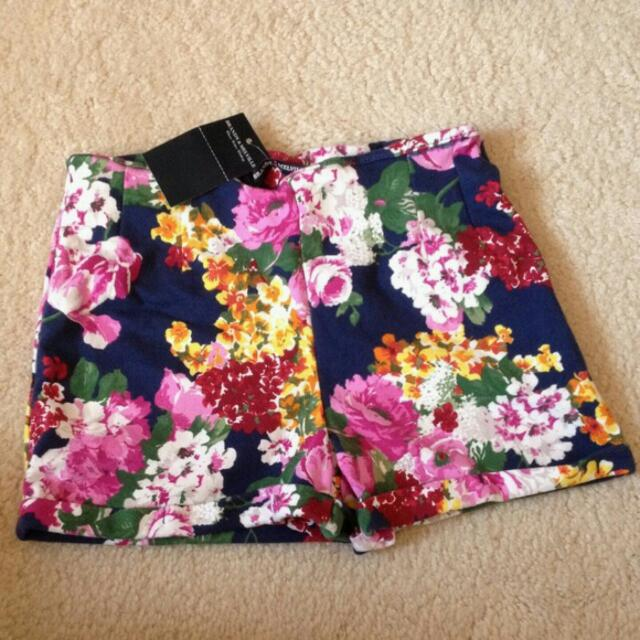 Brandy Melville  Floral Shorts