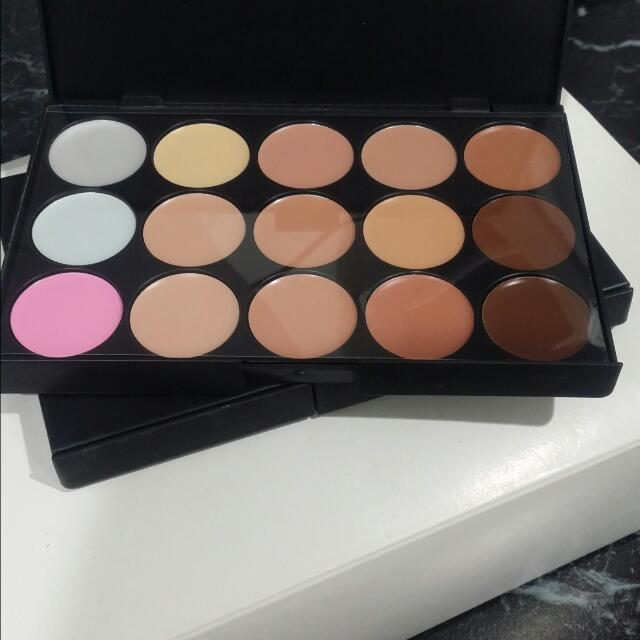Concealers And Correctors