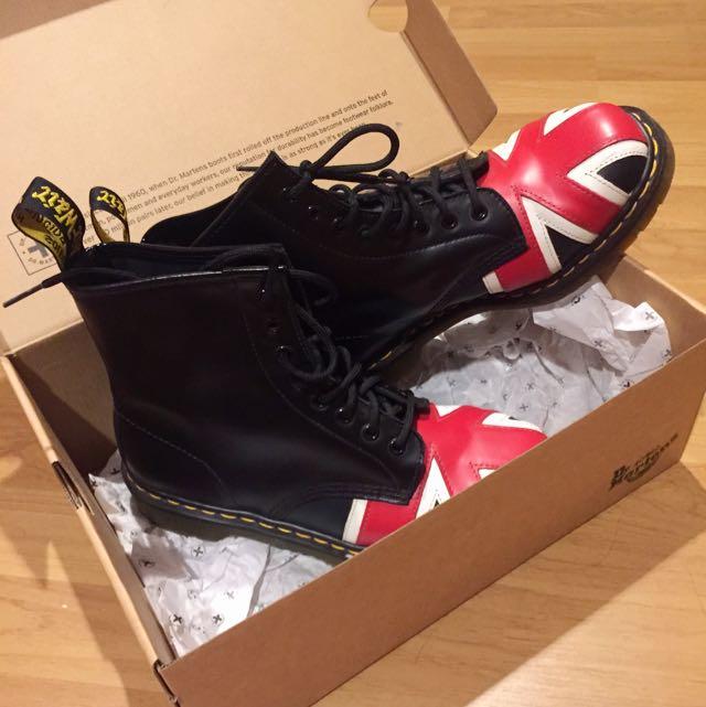 Original Dr Martens Airwair Union Jack 8 Eye Boot