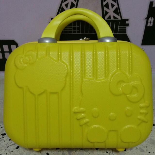 Hello Kitty 24 Inch Luggage