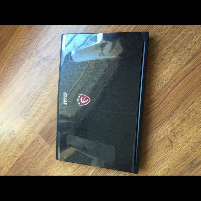 MSI Gaming Notebook + Razed Headphone Gift