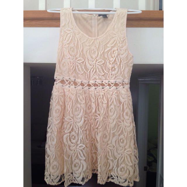 Pretty Floral Lace Dress