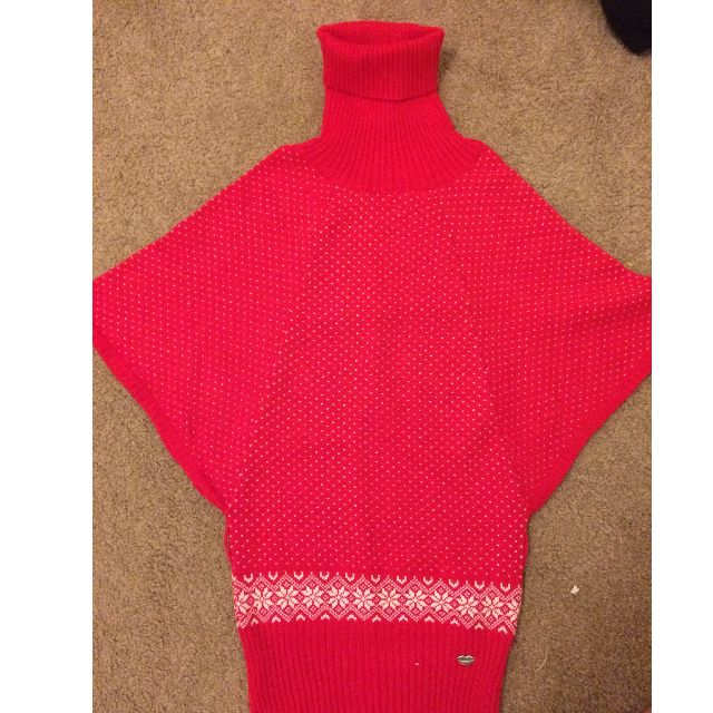 Red batwing sweater size M