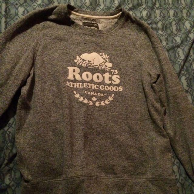 Roots salt & pepper crewneck