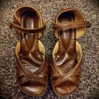 KICKERS Brown Leather Shoes