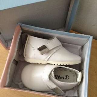 white leather baby boy shoes