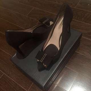Louise Et Cie Black Pumps With Bow Size 9.5