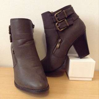 ankle bootie size 9