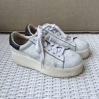 Monochrome Flatform Sneakers