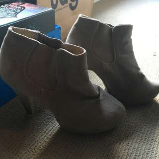 Rubi Shoes Brown Swede Boots