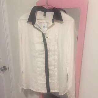 Brand new Ralph Lauren Blouse in L