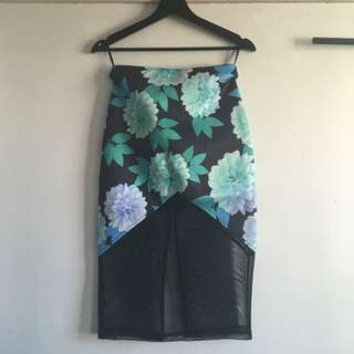 Floral High waisted Mesh Skirt - Paint It Red