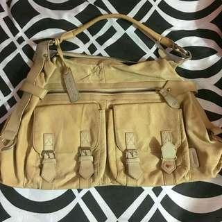 ❗️RESERVED❗️Saddler Shoulder Bag @richtinjean